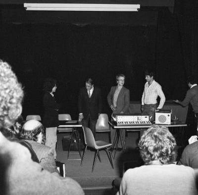 1/6 - Présentation du S52 en novembre 1980 lors du festival Sigma, à Bordeaux. En présence d'Alain Daniélou, André Kudelski et Claude Cellier.