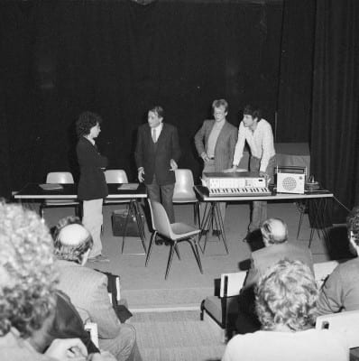 2/6 - Présentation du S52 en novembre 1980 lors du festival Sigma, à Bordeaux. En présence d'Alain Daniélou, André Kudelski et Claude Cellier.