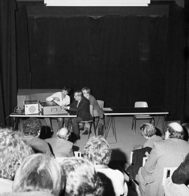 5/6 - Présentation du S52 en novembre 1980 lors du festival Sigma, à Bordeaux. En présence d'Alain Daniélou, André Kudelski et Claude Cellier.