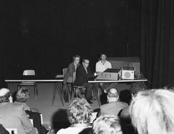 Présentation du S52 en novembre 1980 lors du festival Sigma, à Bordeaux. En présence d'Alain Daniélou, André Kudelski et Claude Cellier.